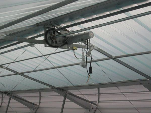 电动启闭屋脊自然通风器